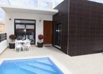 Modernas villas independientes  con piscina incluida