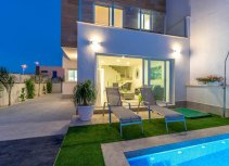 Townhouses with swimming pool in San Pedro del Pinatar