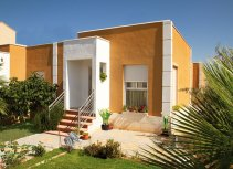 Semi detached Villa with garden